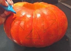 Halloween : activité DIY pour créer votre citrouille, étape 3